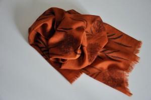 Zijden sjaal met kleurstof eucalyptus - Gil de Vloo
